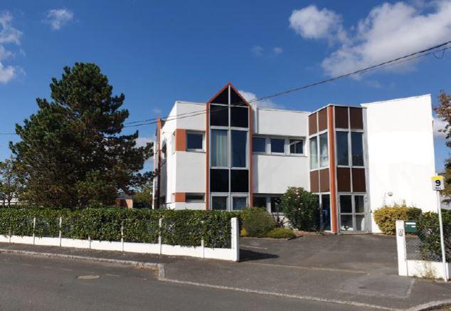 Location  Carquefou
